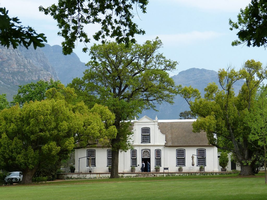 Explore the beautiful wineries on your Cape Town wine tour through Stellenbosch